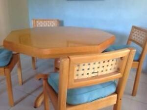 Beautifully HANDCRAFTED dining table and 4 chairs Salisbury Brisbane South West Preview