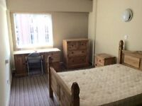 Available beginning of May- Double En-Suite room- Liverpool 3 Pall Mall- bills included