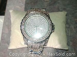 fd9c0ce900ecc7 Swarovski watch made all sizes. Made for Avon. Will needed new battery