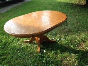 Oak Dining Room table