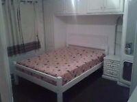 Room bedroom Double Room to Rent - share for girls or Muslim Couple , Dagenham, Barking, eastham