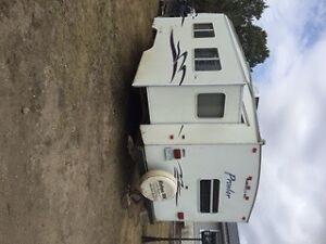 2000 Prowler 5th Wheel Camper Trailer-Excellent Condition!