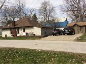 1529 GOODVIEW, AMHERSTBURG*********NEW PRICE!!!!