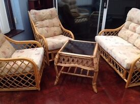 Cane 4 piece conservatory suite in good used condition