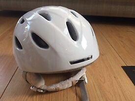 Ladies/Girls Giro G9 Helmet Size Small