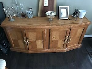 SOLID WOOD DINING SET!! KITCHEN BUFFET!! ROUND KITCHEN TABLE!!