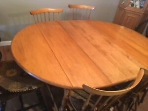 Vilas Maple Dining Table Chairs
