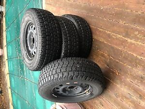 FORD F150 2007 TIRES AVALANGE 275X65X18 WINTER TIRES