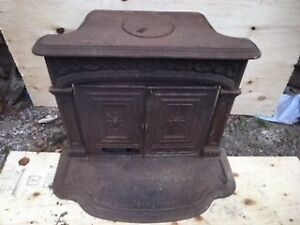FRANKLIN CAST IRON WOODSTOVE