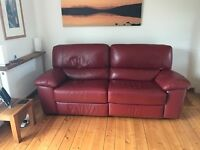 Beautiful Quality Genuine Italian Leather 2 Seater & Single Seater Recliner's in Red