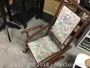 Antique wood Rocking Chair very comfortable