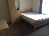 Donnigton Gardens,Reading,RG1 5LZ 5 bedroom student house located in the heart of University Area