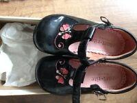 Start-rite black patent shoes 5 1/2 F
