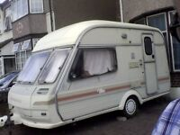 CARAVAN CAMPER 2 SINGLE BEDS