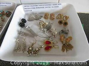 Vintage Jewellery C