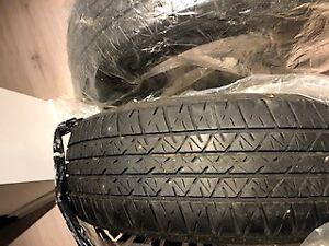 2 Pneus d'hiver Bridgestone 15 pouces en bon état