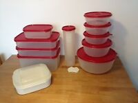 Set of Tupperware - 11 pieces (as good as new)