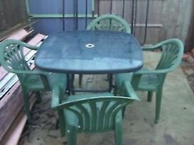 GARDEN SQUARE TABLE - GLASS TOP PLUS 4 CHAIRS - CLACTON CO15 6AJ