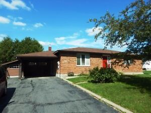 THREE BEDROOM BRICK BUNGALOW IN SOUGHT AFTER NEW SUDBURY!!!