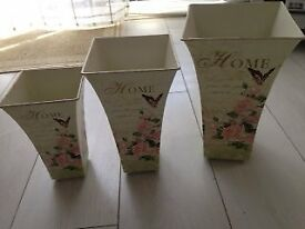 Set of 3 small storage containers