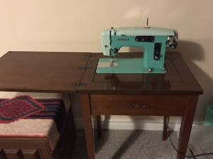 NEW PRICE - White Sewing Machine with Sewing Desk