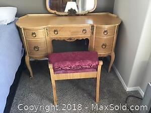 Vintage Dressing Table with Chair A