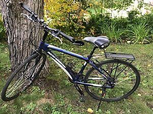 Deux Vélos hybrides Rocky Mountain (vendus ensemble ou séparés)