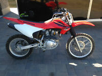 HONDA crf150f - four stroke with electric start- NEW BATTERY