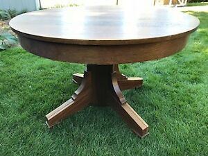 Round kitchen/dining table on casters
