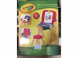 Crayola play&fold desk to easel NEW BOXED