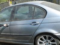 m-power BMW e46 320 rear door breaking for parts near GATWICK