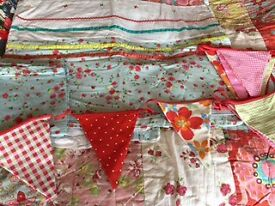 Quilted girls bed cover single duvet and bunting bedding French Vertbaudet like Laura Ashley