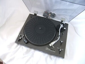 Taya DP-550 turntables