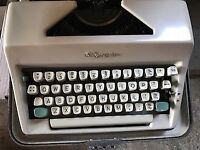 Olympia SM9 De Luxe Typewriter with Case