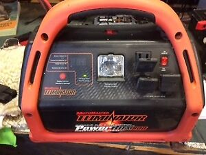 Motomaster Power Box ( BOOSTER)