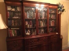 Immaculate Mahogany Glass Fronted Display Cabinet