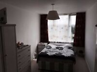 shoreditch double room avai;able 850 all inclus The underground stations are less than 5 minutes