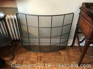 Metal curved fire screen