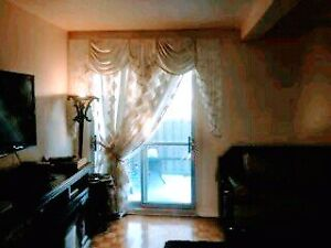 $1450 /month 5br - Town House for Rent (Boul. Sunnybrooke)