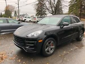 Porsche Macan turbo 2015 black on black