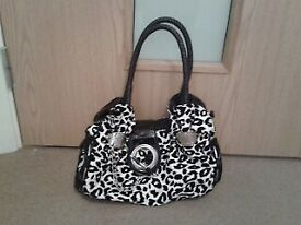 For sale womens and mens clothes handbags shoes sizes 12 14 16 .all in good condition
