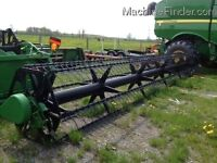 2000 John Deere 925 25 foot Finger Reel