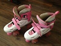 Girl White / Pink hard boot size-adjustable quad skates