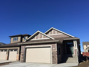 80 Hamptons Crescent SE - $414,900