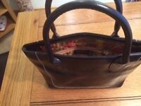 Osprey black leather handbag