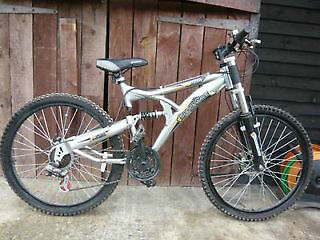 Brand New XT 850 21 Speed Mountain Bike