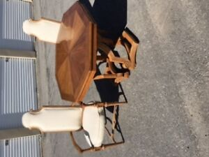 Expandable Dining Set with Four Chairs