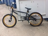 """Voodoo malice- A BMX with 20"""" wheels, weighing 15.5kg (aprox), pedlals and stunt pegs included"""