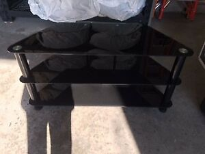 "Tv stand - corner unit (black glass) (40"" w x 16"" d x20"" h)"