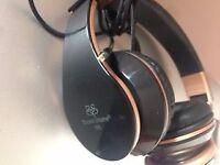 Sound Intone Headphones - Black & Gold